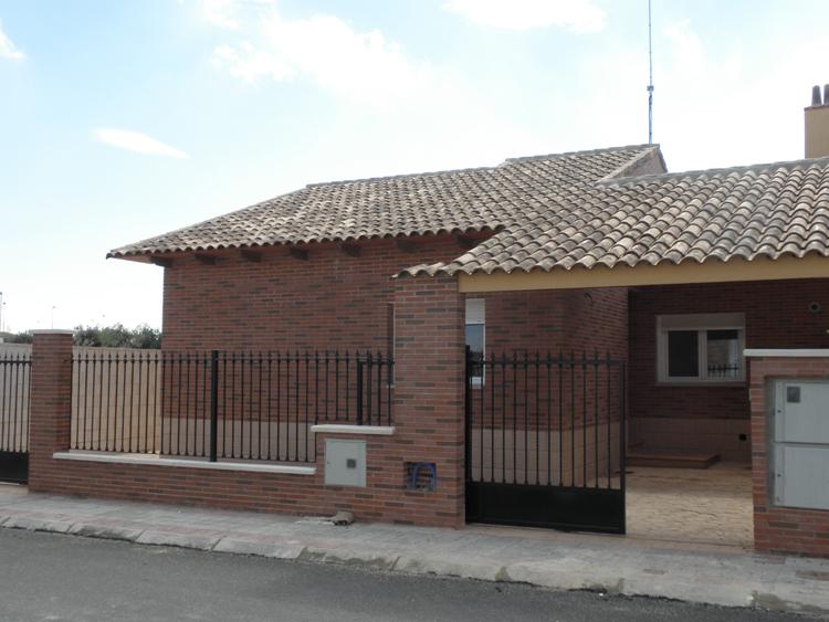 M ximo zarza ofertas de casas pisos y chalets tu casa for Diseno chalet una planta